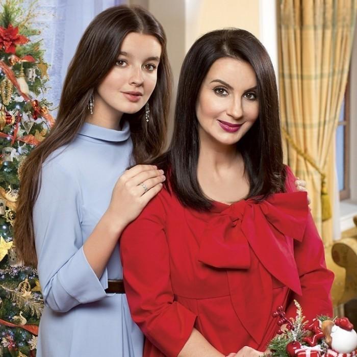 Екатерина Стриженова с дочерью Александрой. / Фото: www.mycdn.me