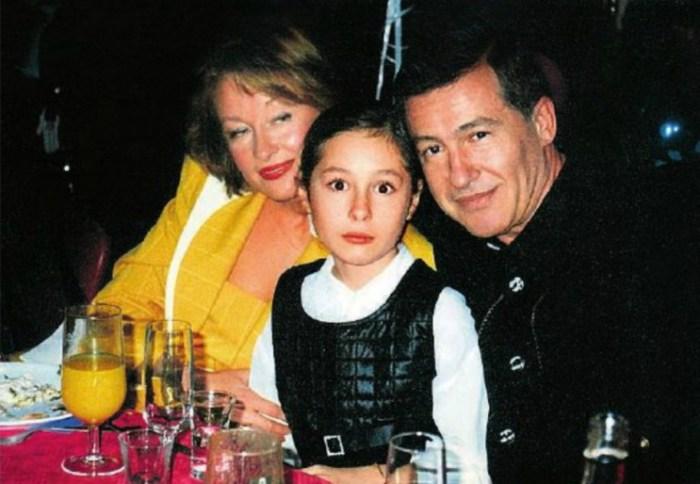 Лариса Удовиченко и Геннадий Болгарин с дочерью. / Фото: www.7days.ru