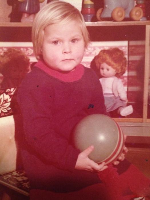 Валерия Листьева в детстве. / Фото: www.celebki.ru