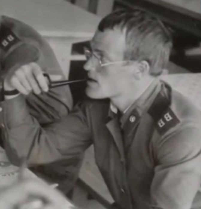 Владимир Хотиненко во время службы в армии. / Фото: www.russia.tv