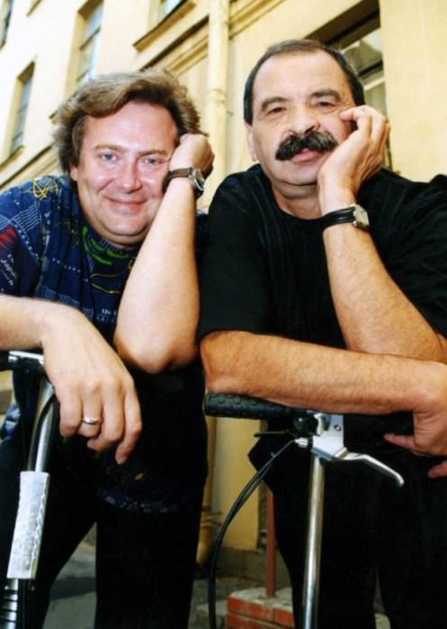 Илья Олейников и Юрий Стоянов. / Фото: www.vokrug.tv