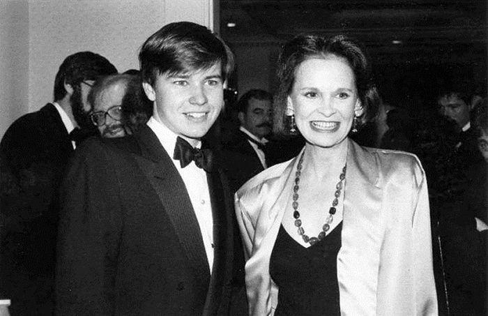 Глория Вандербилт с сыном Картером. / Фото: www.marriedbiography.com
