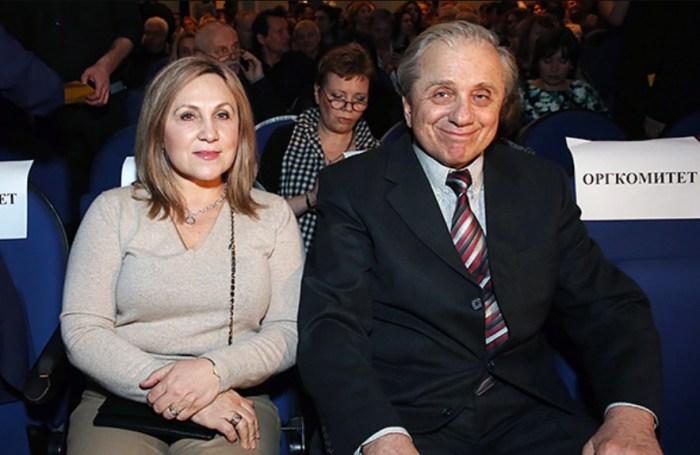 Евгений Стеблов с женой Любовью. / Фото: www.domashnyochag.ru
