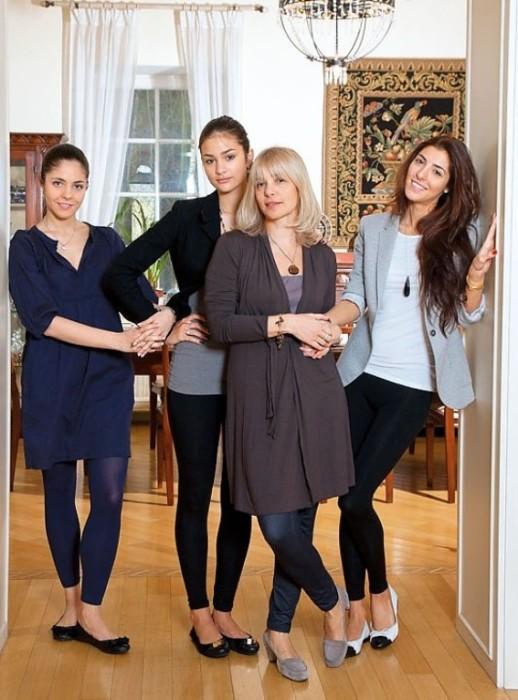Вера Глаголева и её дочери. / Фото: www.lichnosti.net