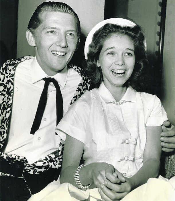 Джерри Ли Льюис и Майра Гейл Браун. / Фото: www.standaardcdn.be
