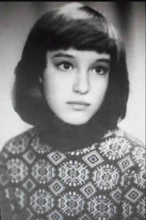 Анна Самохина в детстве. / Фото: www.yandex.net