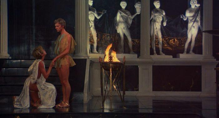 Кадр из фильма «Калигула». / Фото: www.anews.com