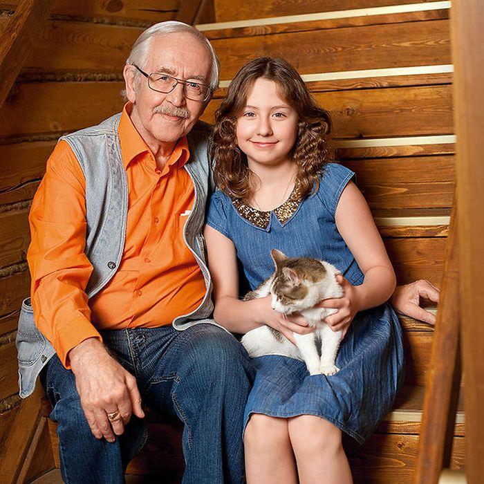 Василий Ливанов с внучкой Евой. / Фото: www.onlynew.info