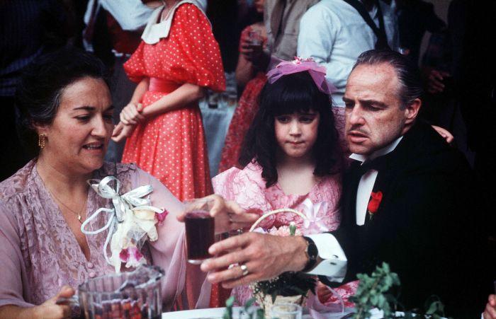 Кадр из фильма «Крестный отец». / Фото: www.yimg.com