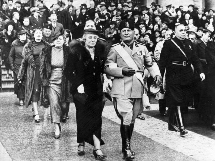 Бенито Муссолини с женой. / Фото: www.spiegel.de