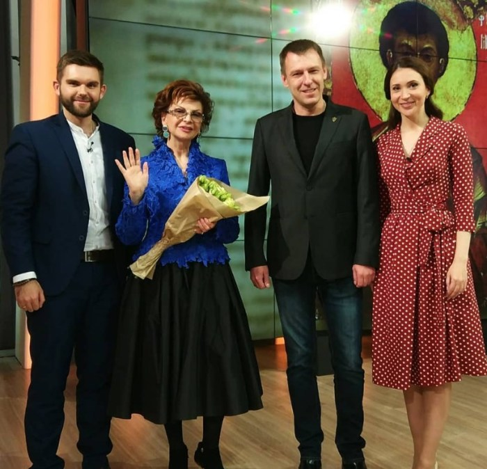 Роксана Бабаян во время съёмок на телеканале «Спас». / Фото: www.instagram.com
