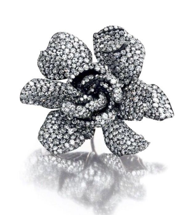 Кольцо Gardenia из коллекции Эллен Баркин. / Фото: www.pinterest.ru