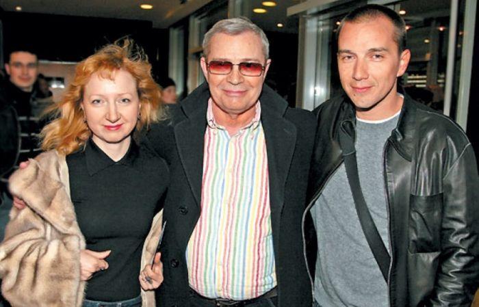 Лев Прыгунов с женой и сыном. / Фото: www.tele.ru