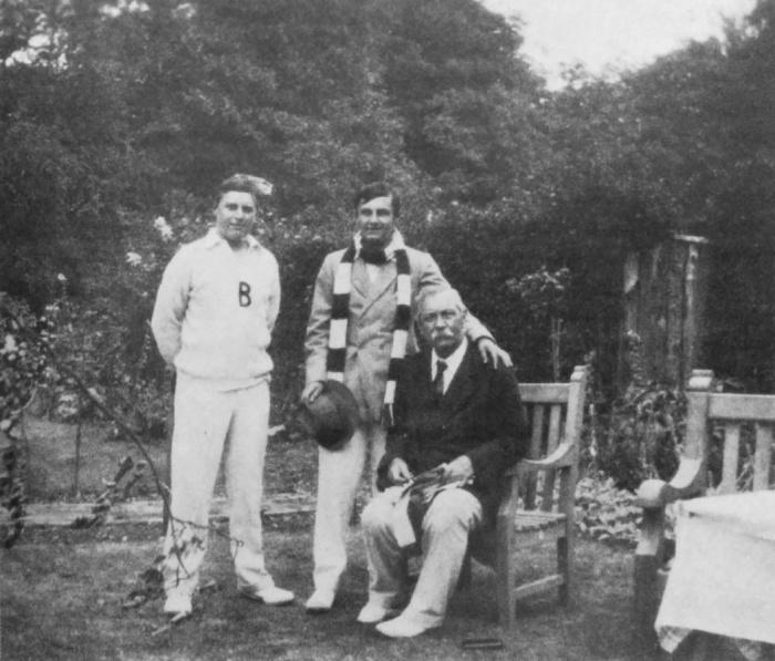 Артур Конан Дойл с Адрианом (слева) и Денисом. / Фото: www.arthur-conan-doyle.com