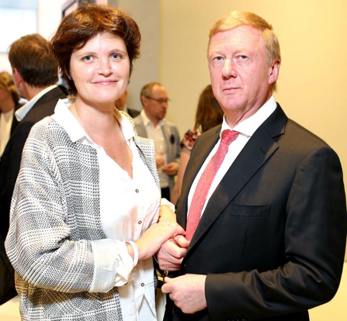 Анатолий Чубайс и Авдотья Смирнова. / Фото: www.mtdata.ru