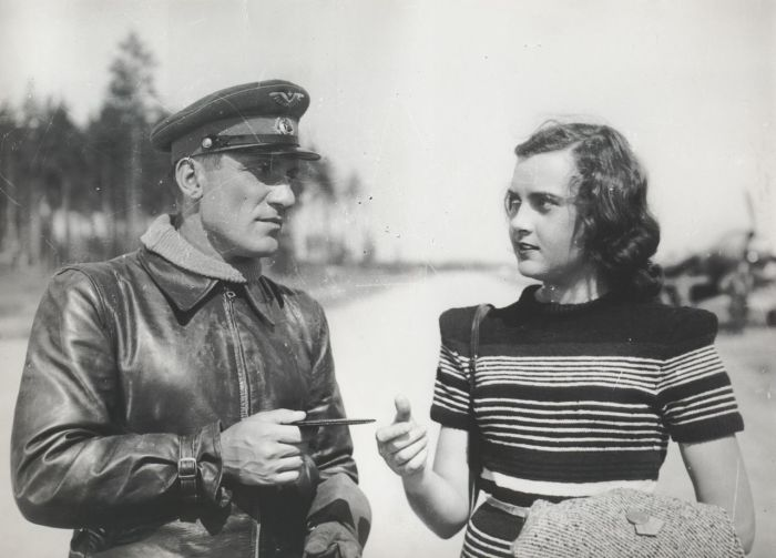 Кадр из фильма «Небесный тихоход». / Фото: www.spbdnevnik.ru