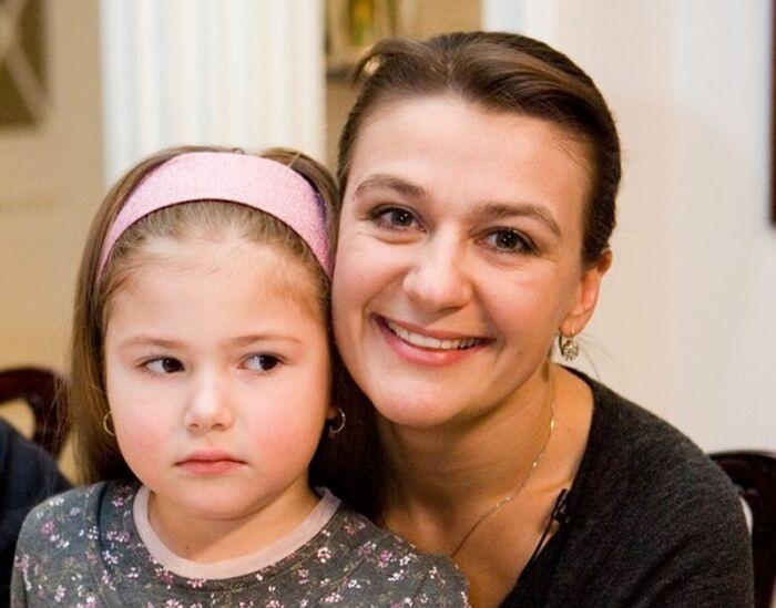 Анастасия Мельникова с дочерью Марией. / Фото: www.really-cool.ru