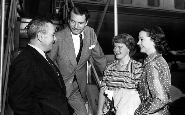 Сюзанна Холман с Уильямом Уайлером (слева), Лоуренсом Оливье и Вивьен Ли в 1952 году. / Фото: www.telegraph.co.uk