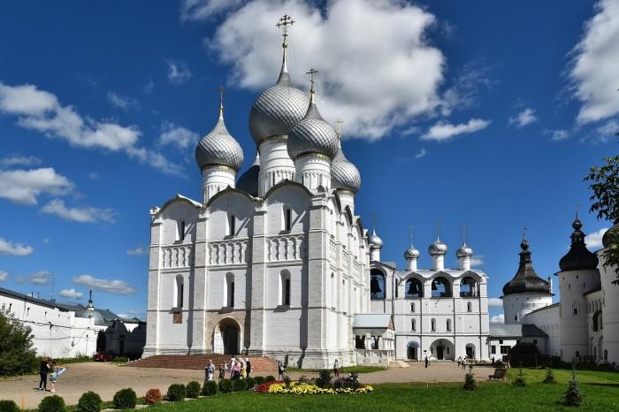 Ростовский Кремль Успенский собор. / Фото: www.mylove.ru