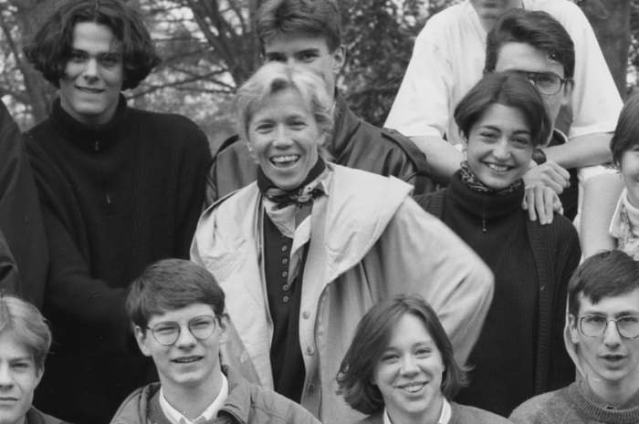 Брижит Озьер с учениками. / Фото: www.livejournal.com