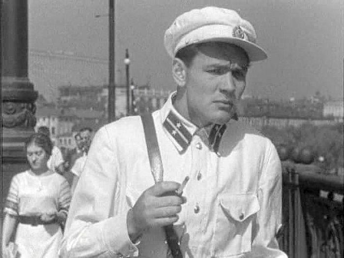 Всеволод Санаев, кадр из фильма «Девушка с характером». / Фото: www.kino-teatr.ru