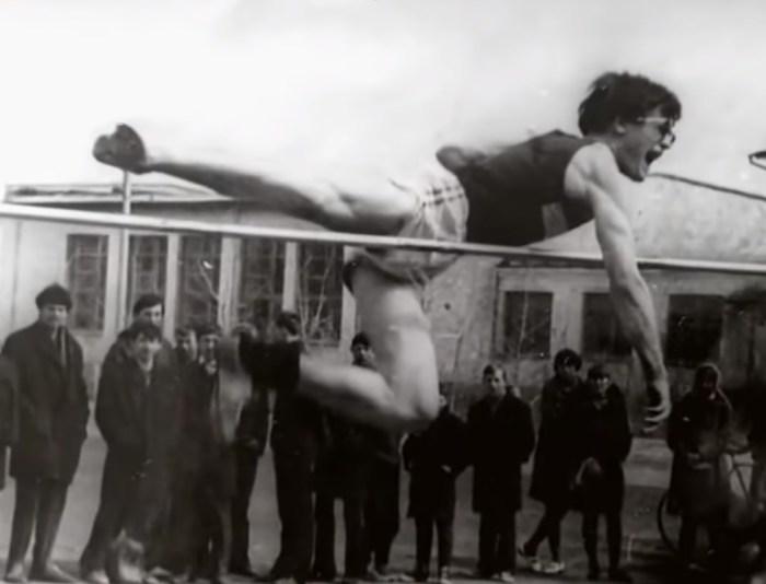 Владимир Хотиненко в Казахстане был победителем соревнований среди школьников по прыжкам в высоту. / Фото: www.russia.tv