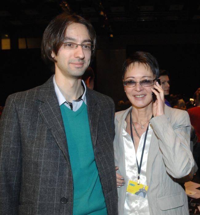 Ирина Хакамада с сыном. / Фото: www.woman.ru