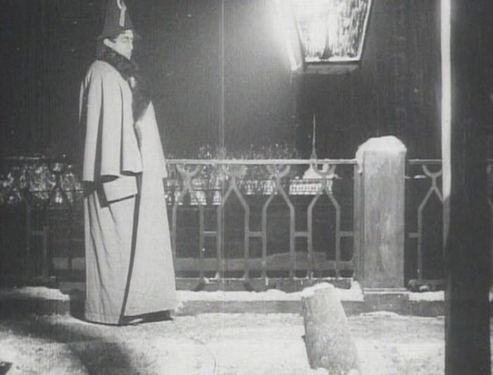 Кадр из фильма «Пиковая дама». / Фото: www.vokrug.tv