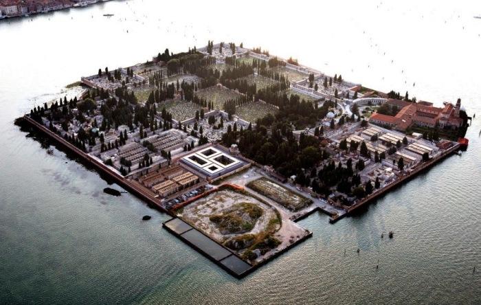 Кладбище на острове Сан-Микеле в Венеции. / Фото: www.blogspot.com