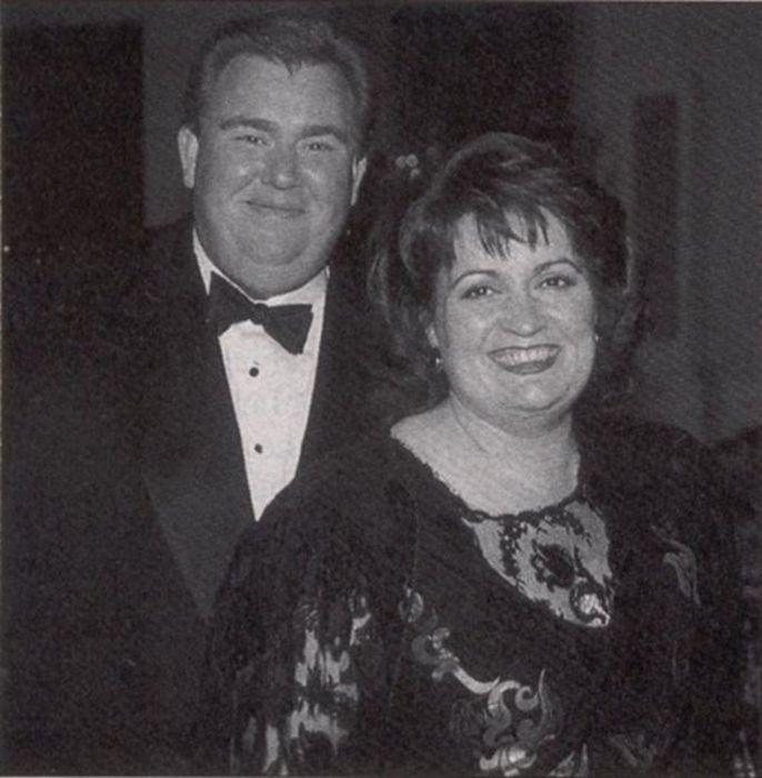 Джон Кэнди с женой. / Фото: www.johncandy.com