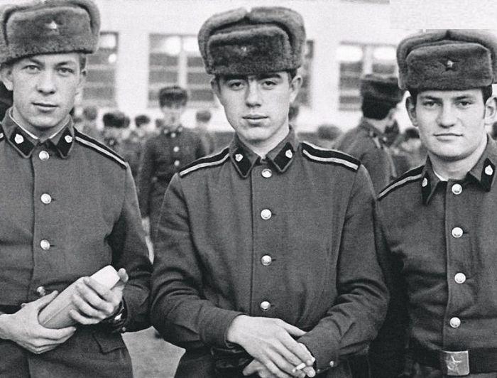 Валерий Магдьяш в центре. / Фото: www.7days.ru