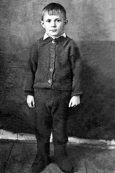 Юрий Соломин в детстве. / Фото: www.moi-goda.ru