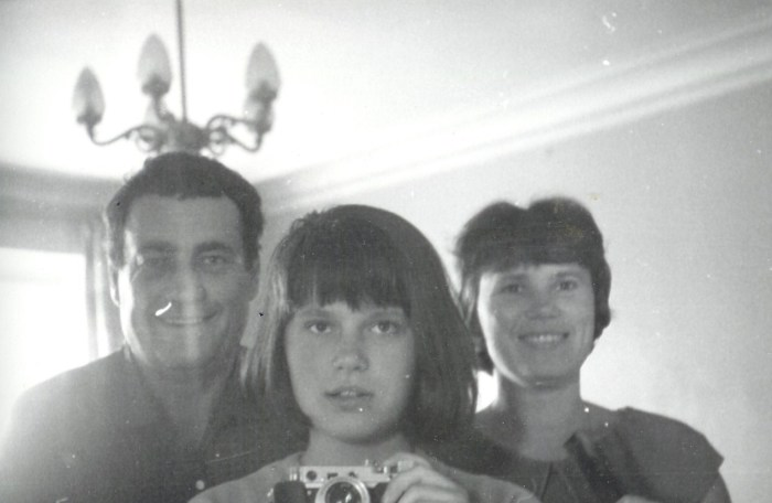 Эльдар Рязанов и Зоя Фомина с дочерью. / Фото: www.facebook.com