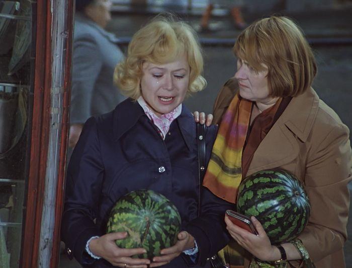 Кадр из фильма «Служебный роман». / Фото: www.twimg.com