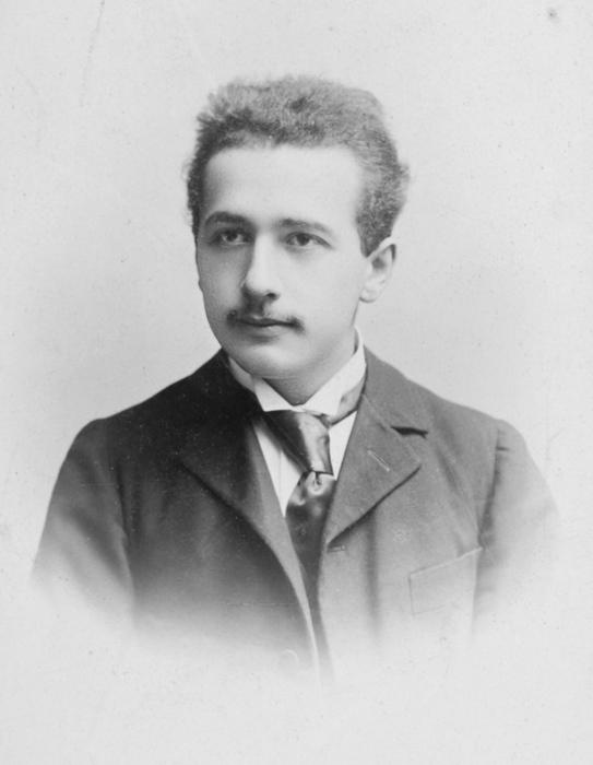 Альберт Эйнштейн, 1890-е годы. / Фото: www.regnum.ru