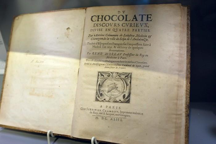 Старинная книга о шоколаде. / Фото: www.staticflickr.com