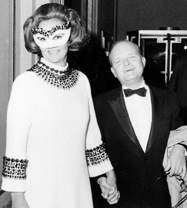 Трумен Капоте и Кэтрин Грэм на Чёрно-белом балу. / Фото: www.dailymail.co.uk