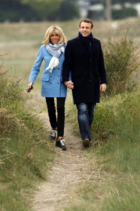 Эмманюэль и Брижит Макрон. / Фото: www.phinemo.com