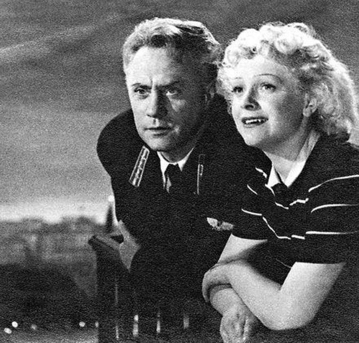 Михаил Жаров и Людмила Целиковская. / Фото: www.kino-teatr.ru