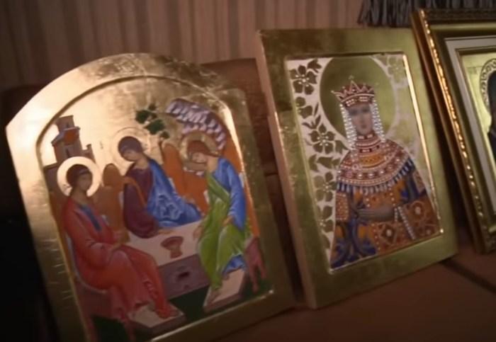 Иконы Ольги Мелиховой. / Фото: www.1tv.ru