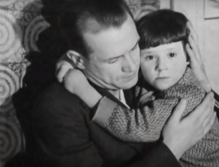 Борис Бабочкин со старшей дочерью. / Фото: www.tvkultura.ru