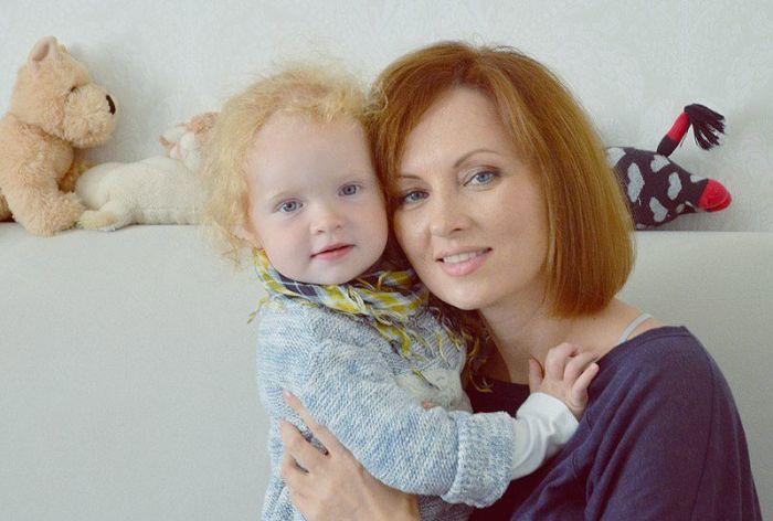 Елена Ксенофонтова с дочерью Соней. / Фото: www.ksenofontova.ru
