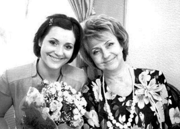 Валентина Панина с дочерью Натальей. / Фото: www.servek.ru