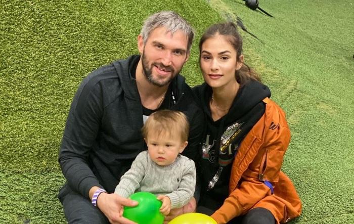 Анастасия Шубская с мужем и старшим сыном. / Фото: www.24smi.org