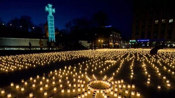 Акция памяти жертв депортации в Эстонии. / Фото: www.estonianworld.com