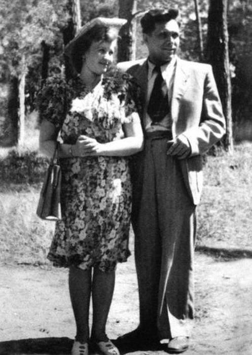 Николай и Светлана Щёлоковы, Киев, 1947 год. / Фото: www.loveread.me
