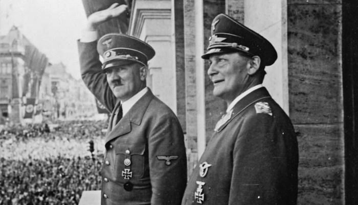 Адольф Гитлер и Герман Геринг. / Фото: www.yandex.net