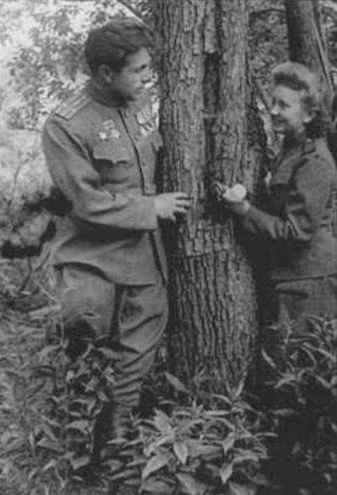 Николай Щёлоков и Светлана Попова. / Фото: www.dom-knig.com