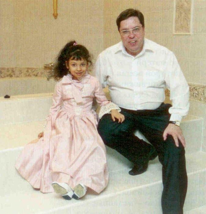 Михаил Бондаренко с дочерью. / Фото: www.interviewmg.ru
