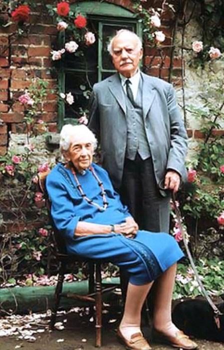 Агата Кристи и Макс Маллоуэн. / Фото: www.twimg.com